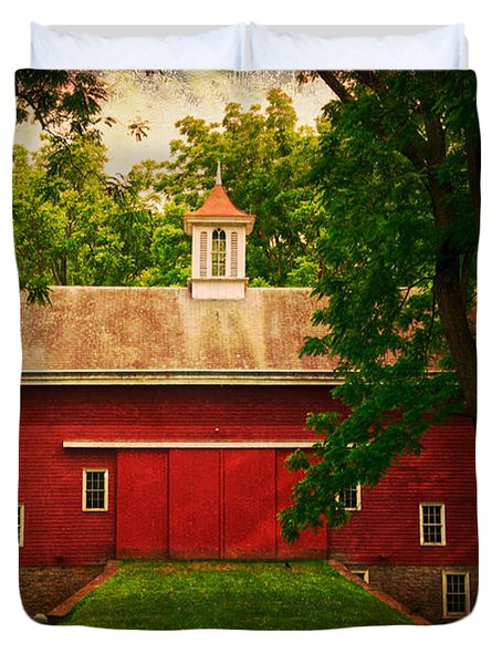 Tinicum Barn In Summer Duvet Cover