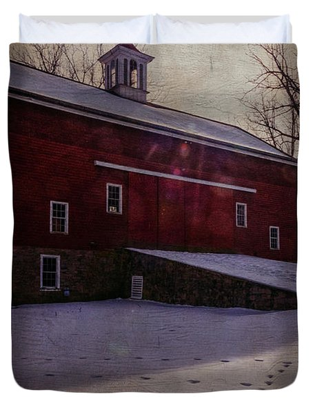 Duvet Cover featuring the photograph Tinicum Barn In Winter by Debra Fedchin