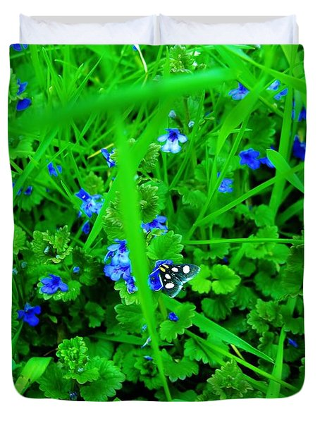 Duvet Cover featuring the photograph Tiny Butterfly by Sherman Perry
