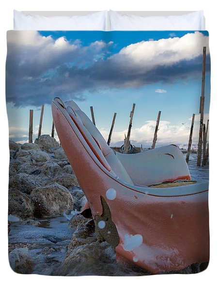 Toes In The Surf Duvet Cover by Scott Campbell