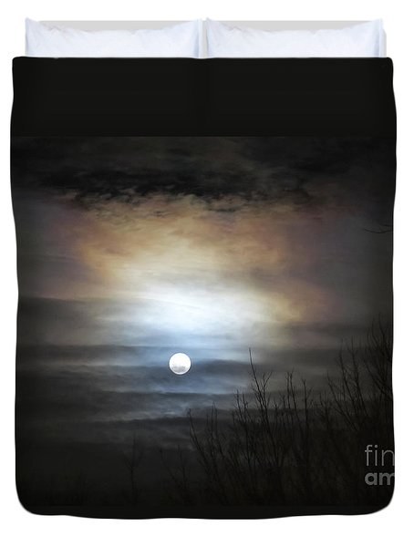 Duvet Cover featuring the photograph Tonight's Moon by Douglas Stucky
