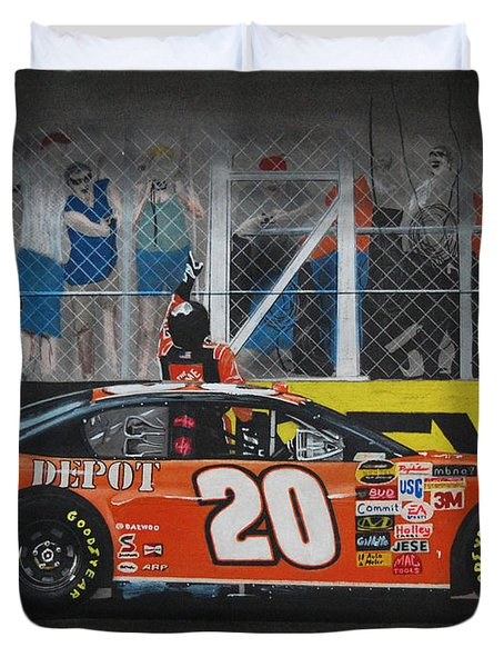 Tony Stewart Climbs For The Checkered Flag Duvet Cover by Paul Kuras