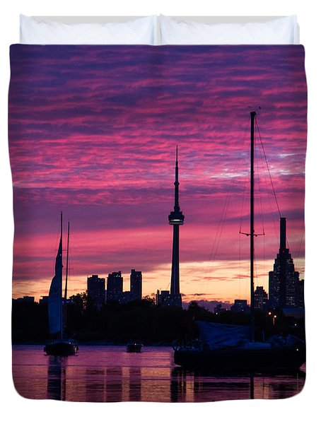Toronto Skyline - The Boats Are Coming In Duvet Cover