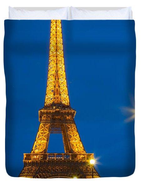 Tour Eiffel De Nuit Duvet Cover by Inge Johnsson