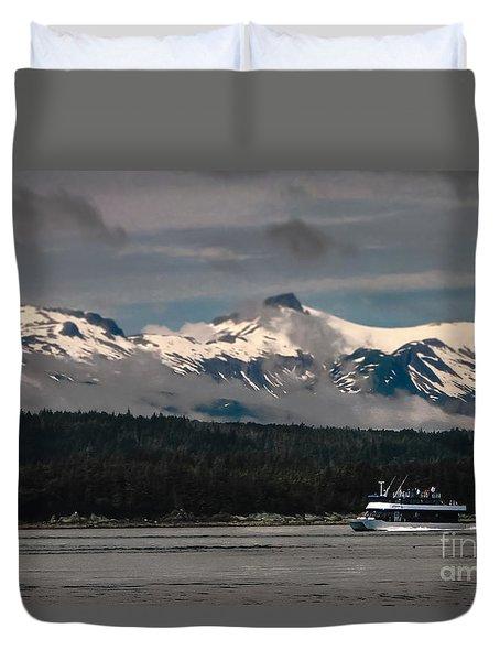 Touring Alaska Duvet Cover by Robert Bales