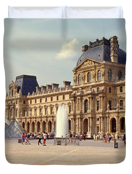 Tourists Near A Pyramid, Louvre Duvet Cover