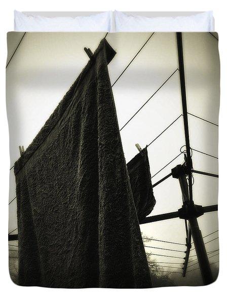 Towels  Duvet Cover by Les Cunliffe