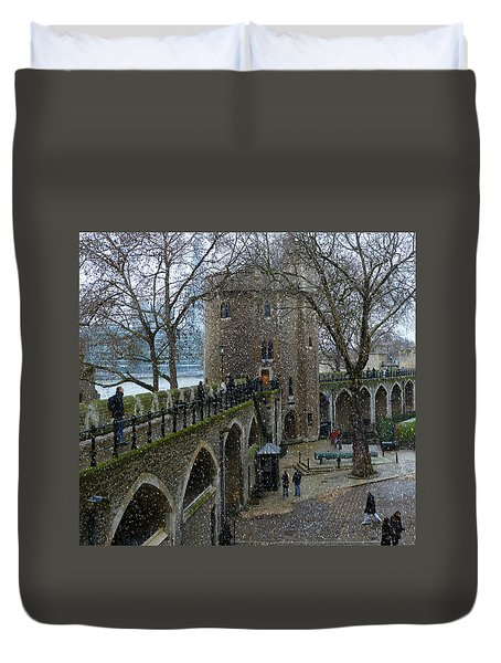 Duvet Cover featuring the photograph Tower Of London Plaza by Katie Wing Vigil