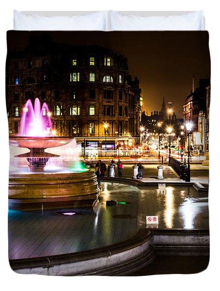 Duvet Cover featuring the photograph Trafalgar Square by Matt Malloy
