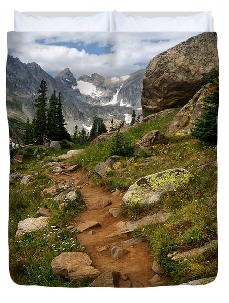 Trail To Lake Isabelle Duvet Cover