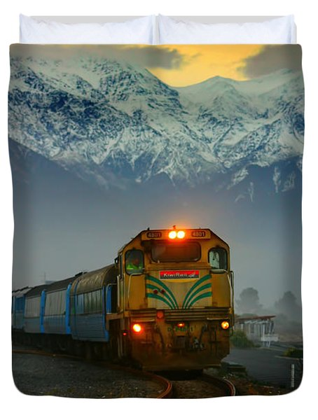 Train In New Zealand Duvet Cover by Amanda Stadther