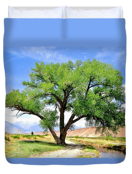 Duvet Cover featuring the photograph Tranquil Scene by Marilyn Diaz