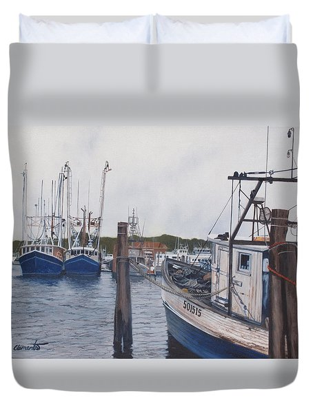 Trawlers At Gosman's Dock Montauk Duvet Cover