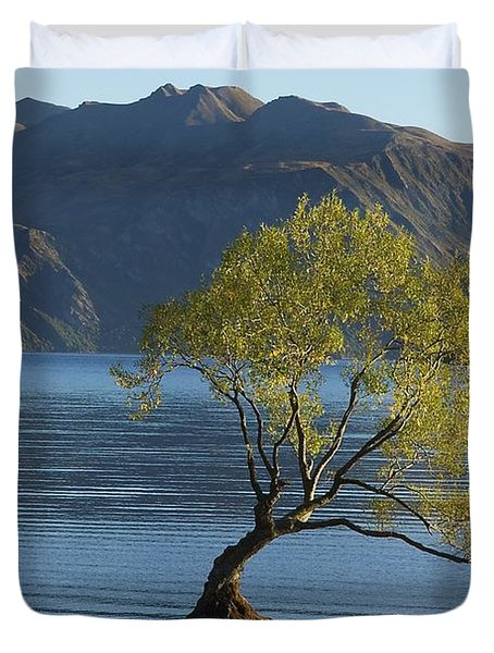 Tree In Lake Wanaka Duvet Cover