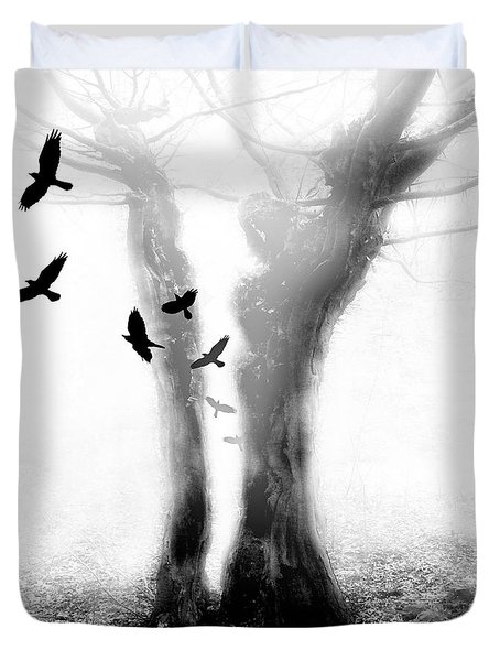 Duvet Cover featuring the photograph Tree by Mariusz Zawadzki