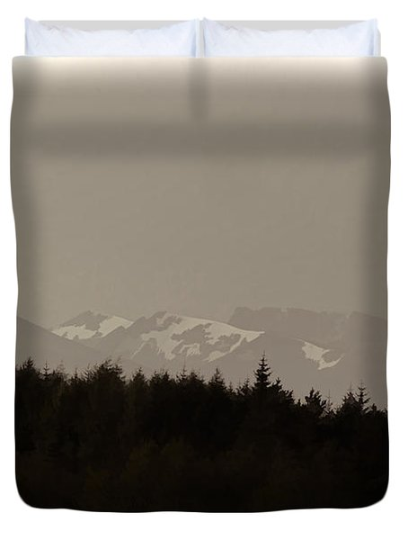 Treeline With Ice Capped Mountains In The Scottish Highlands Duvet Cover