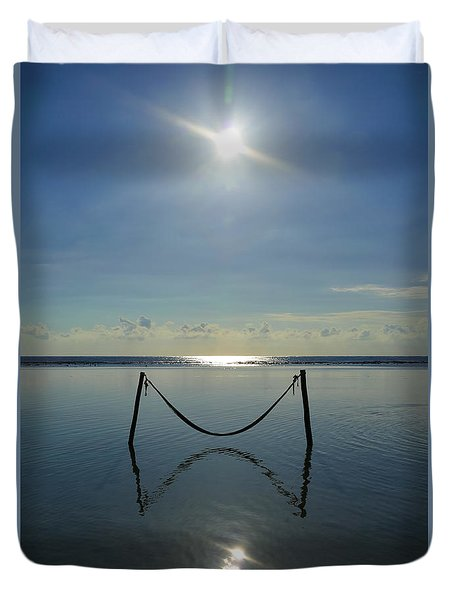 Duvet Cover featuring the photograph Tres Luces by Skip Hunt