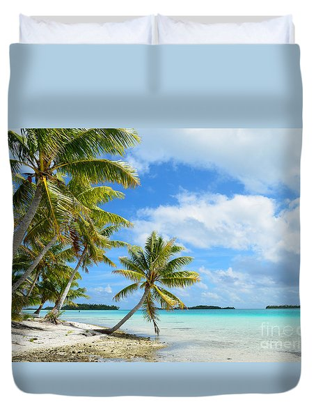 Tropical Beach With Hanging Palm Trees In The Pacific Duvet Cover