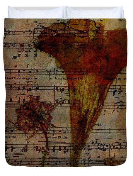 10363 Trumpet Flower On Music Sheet Duvet Cover