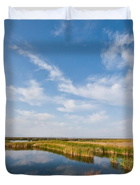 Duvet Cover featuring the photograph Tule Lake Marshland by Jeff Goulden