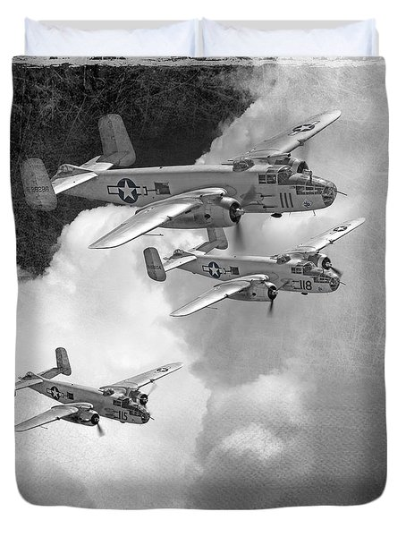 Tuskegee Airman...616th Bombardment Group Duvet Cover by Larry McManus