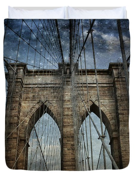 Twilight At The Brooklyn Bridge Duvet Cover by Evie Carrier