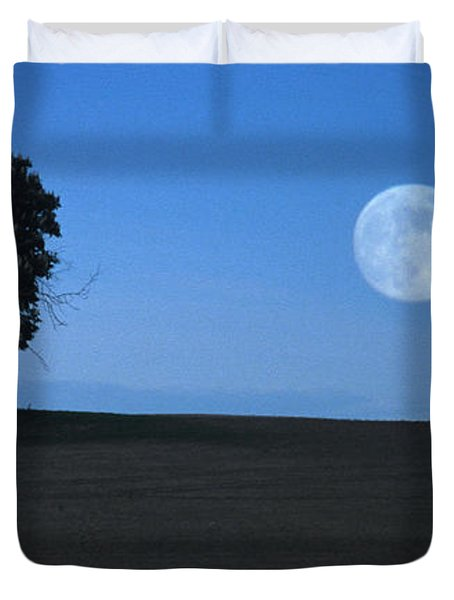 Duvet Cover featuring the photograph Twilight Solitude by Sharon Elliott