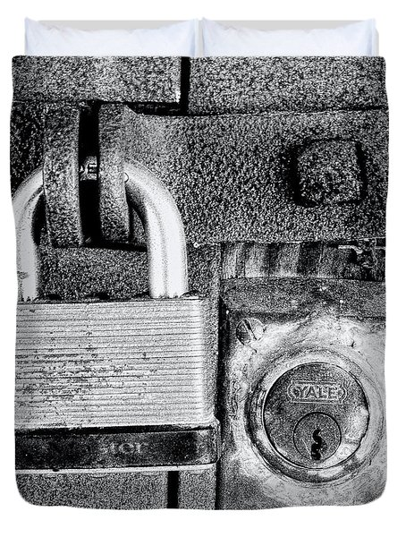 Two Rusty Old Locks - Bw Duvet Cover