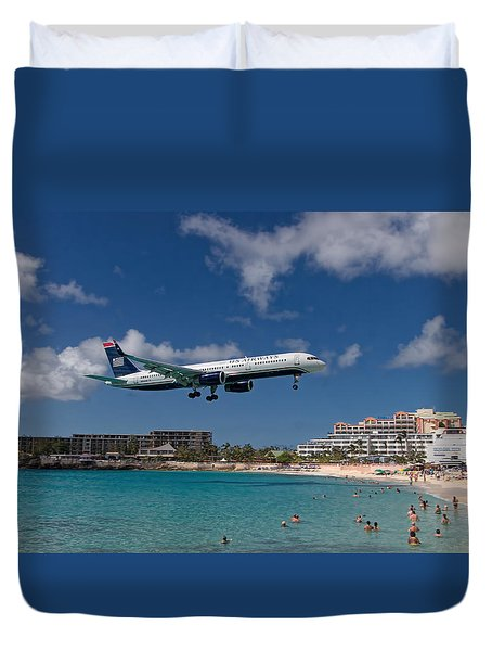 U S Airways Low Approach To St. Maarten Duvet Cover