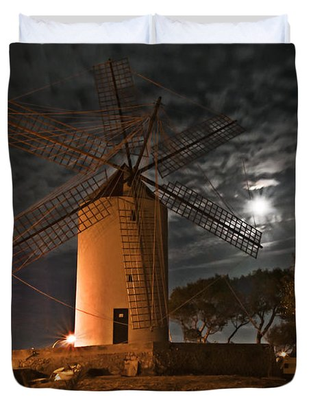 Vintage Windmill In Es Castell Villacarlos George Town In Minorca -  Under The Moonlight Duvet Cover