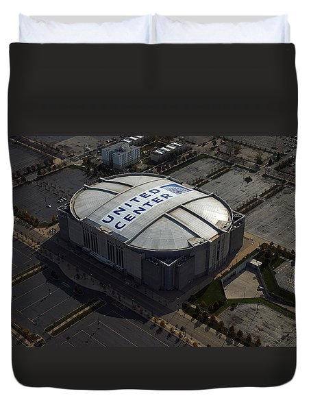 United Center Chicago Sports 09 Duvet Cover by Thomas Woolworth