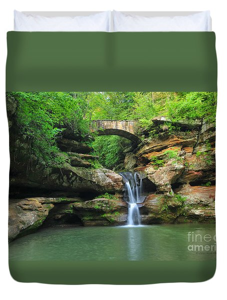 D10a-113 Upper Falls At Old Mans Cave Hocking Hills Photo Duvet Cover