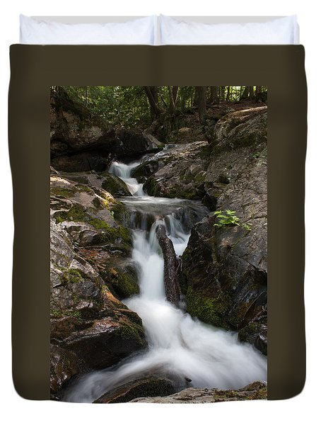 Upper Pup Creek Falls Duvet Cover