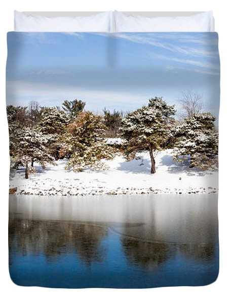 Urban Pond In Snow Duvet Cover