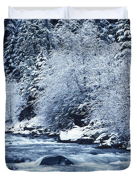 Usa, Willamette National Forest Oregon Duvet Cover by Greg Vaughn