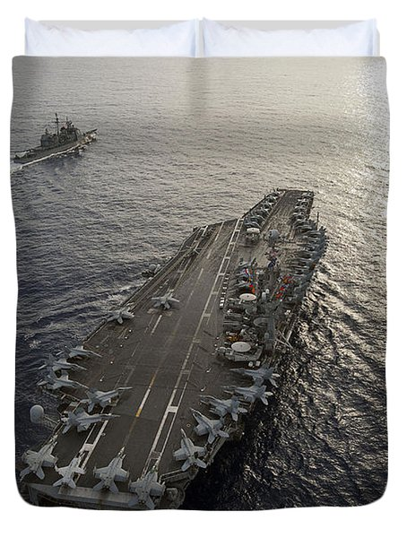 Duvet Cover featuring the photograph Uss George Washington And Uss Mobile by Stocktrek Images