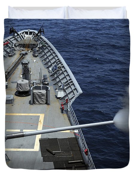 Uss Philippine Sea Fires Its Mk 45 Duvet Cover by Stocktrek Images