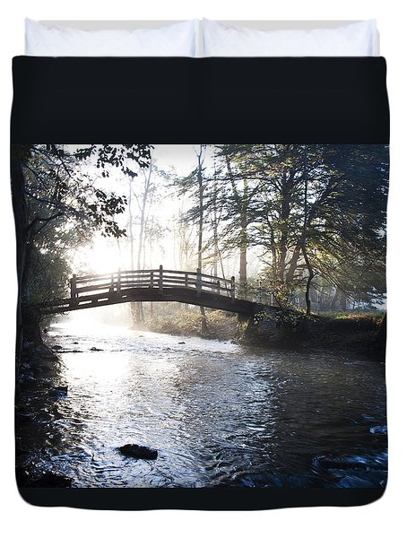 Valley Creek Bow Bridge At Valley Forge Duvet Cover by Bill Cannon