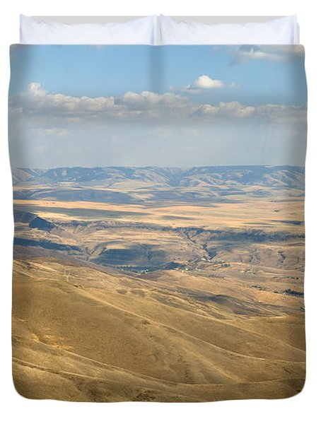Duvet Cover featuring the photograph Valley View by Mark Greenberg