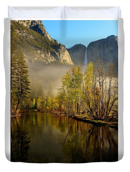 Vanishing Mist Duvet Cover by Duncan Selby