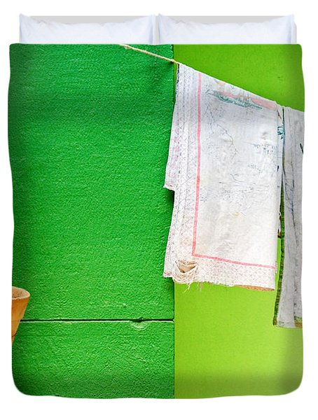 Vase Towels And Green Wall Duvet Cover