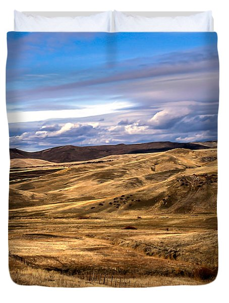 Vast View Of The Rolling Hills Duvet Cover by Robert Bales