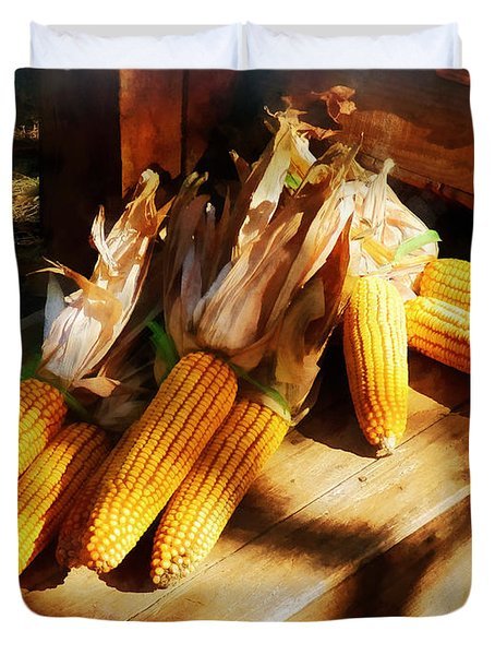 Vegetable - Corn On The Cob At Outdoor Market Duvet Cover by Susan Savad