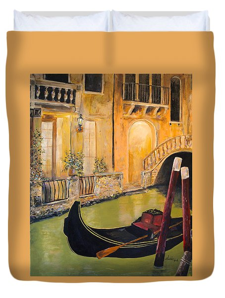 Duvet Cover featuring the painting Venetian Evening by Alan Lakin