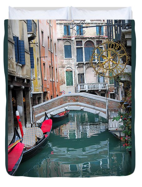 Venice Canal And Buildings Duvet Cover