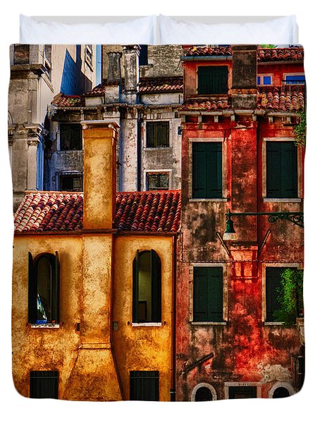 Duvet Cover featuring the photograph Venice Homes by Jerry Fornarotto