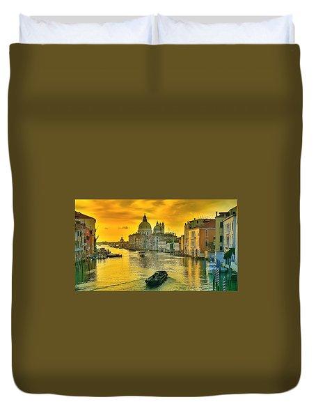 Golden Venice 3 Hdr - Italy Duvet Cover by Maciek Froncisz