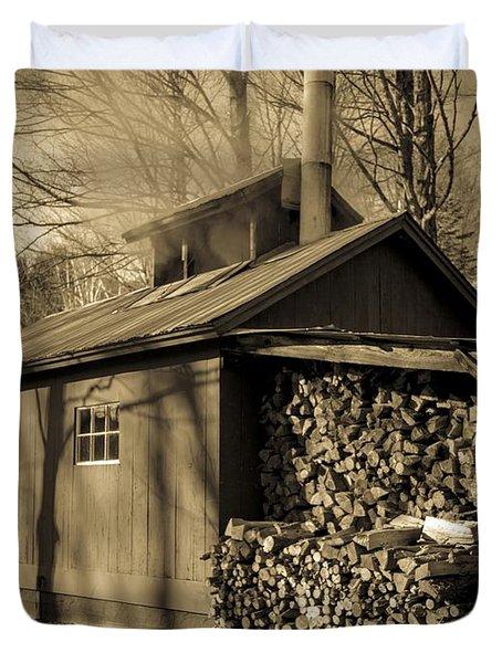 Vermont Maple Sugar Shack Circa 1954 Duvet Cover by Edward Fielding