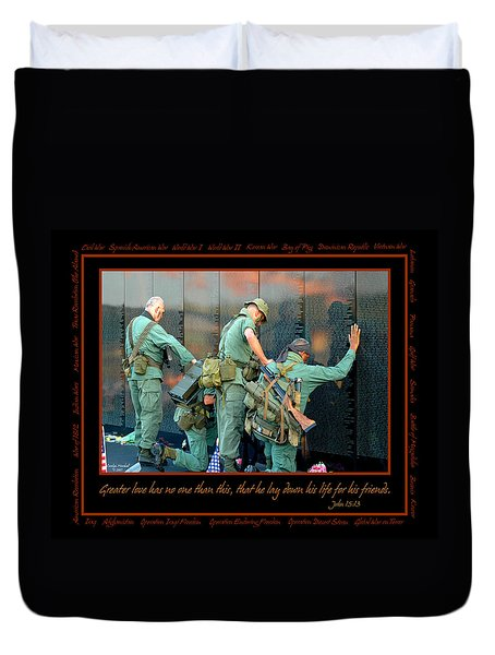 Veterans At Vietnam Wall Duvet Cover