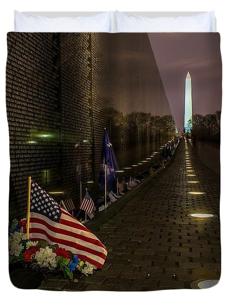 Vietnam Veterans Memorial At Night Duvet Cover